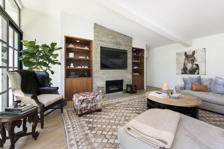 after-purchasing-the-historic-property-in-2015-the-glee-star-completely-remodeled-the-space-for-contemporary-living-fashion-stylist-and-interior-decorator-estee-stanley-assisted-with-establishing-the-homes-aesthetic