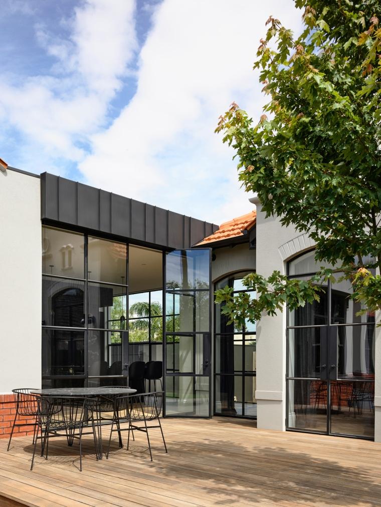 Heritage-Sophistication-Dutch-Gable-House-by-Austin-Design-Associates-Melbourne-VIC-Australia-Image-02